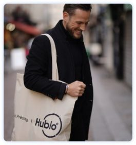 Client du pressing à domicile Hublo satisfait de l'application Hublo